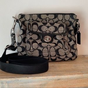 Coach Signature C Crossbody with Turnlock Packet
